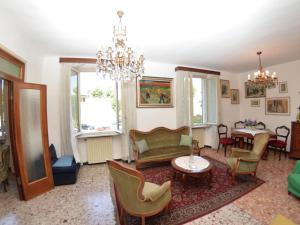 La Regina Di Lucca - Casa Artisti 1, Apartmanok  Lucca - big - 4
