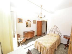 La Regina Di Lucca - Casa Artisti 1, Apartmanok  Lucca - big - 17