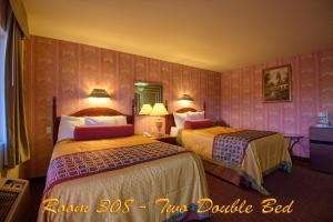 Two Double Beds - Non-Smoking