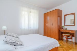 Apartments Dubravka, Apartmány  Trogir - big - 13