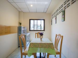 Stefan's Guesthouse, Penziony  Jomtien - big - 40