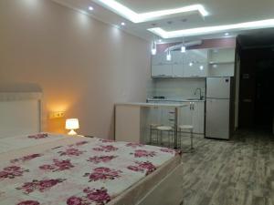 Hello Batumi Apartment, Апартаменты  Батуми - big - 23