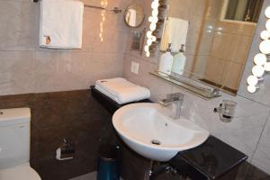 Glenhills Luxury Apartment, Apartmány  Nuwara Eliya - big - 11