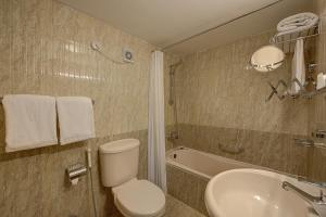 Palm Beach Hotel, Szállodák  Dubaj - big - 8
