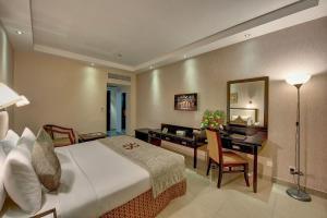 Palm Beach Hotel, Hotely  Dubaj - big - 6