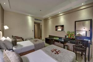 Palm Beach Hotel, Hotely  Dubaj - big - 3