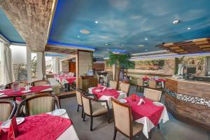 Palm Beach Hotel, Hotely  Dubaj - big - 34