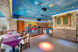 Palm Beach Hotel, Hotely  Dubaj - big - 31