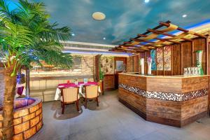 Palm Beach Hotel, Hotely  Dubaj - big - 35
