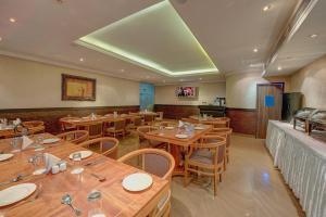 Palm Beach Hotel, Hotely  Dubaj - big - 19