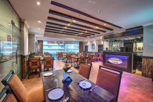 Palm Beach Hotel, Hotely  Dubaj - big - 15