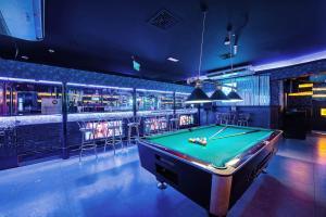 Palm Beach Hotel, Hotely  Dubaj - big - 29