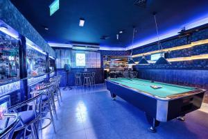 Palm Beach Hotel, Hotely  Dubaj - big - 30