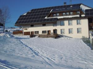Apartment Manuela 2, Farmy  Ibach - big - 25
