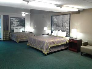 Suite with One King Bed and One Queen Bed - Non-Smoking