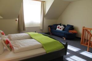 Hotel Zur Kaiserpfalz, Hotels  Wohlmirstedt - big - 1