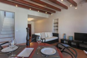 Apartamentos Xereca - Dalt Vila IV, Case vacanze  Ibiza città - big - 6
