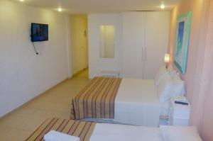 Hotel Residencial Portoveleiro, Guest houses  Cabo Frio - big - 61