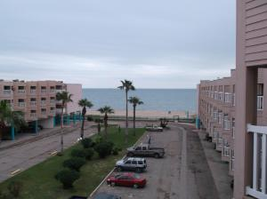 Beautiful Corpus Christi Beach Condo 1335