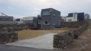 D2 House, Holiday homes  Jeju - big - 7