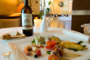 Hotel Cala Del Porto, Отели  Вибо Валентия Марина - big - 10