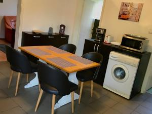 Three Oaks, Apartmány  Sibiu - big - 12