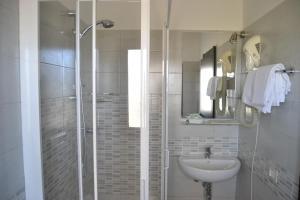 Hotel Kon Tiki, Hotely  San Vincenzo - big - 44