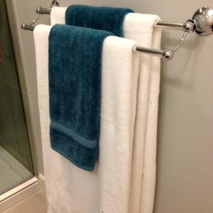 Nature's Door Guest Suite, Отели типа «постель и завтрак»  Port Moody - big - 4