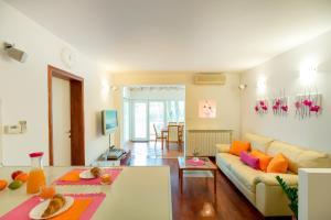 Leona & Borna's Central Lapad Suites, Apartments  Dubrovnik - big - 36