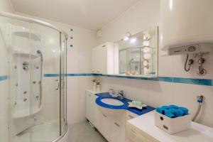 Leona & Borna's Central Lapad Suites, Apartments  Dubrovnik - big - 3