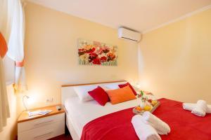 Leona & Borna's Central Lapad Suites, Apartments  Dubrovnik - big - 25