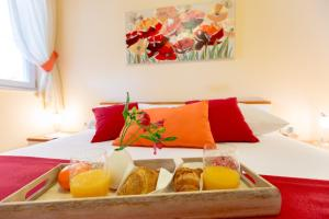Leona & Borna's Central Lapad Suites, Apartments  Dubrovnik - big - 5