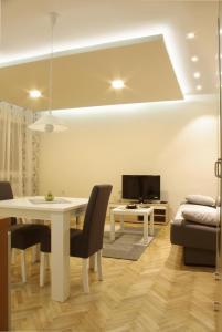 Square Studio Apartment