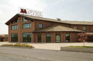 HM MotelHotel