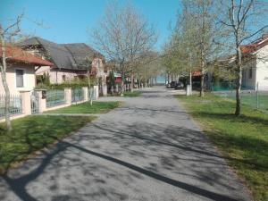 Villa Gabriella, Apartmanok  Balatonboglár - big - 36