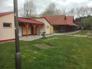 Villa Gabriella, Apartmanok  Balatonboglár - big - 34