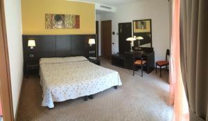 Hotel Villa Rosa, Hotely  Nago-Torbole - big - 23
