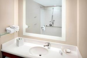 SpringHill Suites Indianapolis Downtown, Hotels  Indianapolis - big - 8