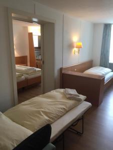 Hotel Schwert, Отели  Нефельс - big - 24