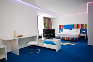 Marshal Garden Hotel, Отели  Бухарест - big - 2