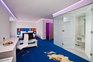 Marshal Garden Hotel, Отели  Бухарест - big - 5