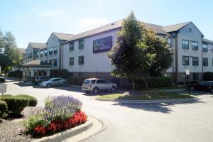 Extended Stay America - Detroit - Farmington Hills