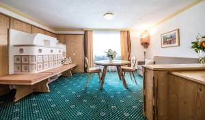 Hotel Kristall, Hotely  Sankt Anton am Arlberg - big - 40
