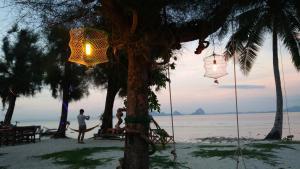 Koh Ngai Kaimuk Thong Resort, Resorts  Ko Ngai - big - 57