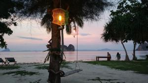 Koh Ngai Kaimuk Thong Resort, Resorts  Ko Ngai - big - 56