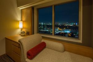Standard Double Room with Couch and Harbour View - Non-Smoking