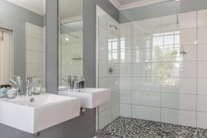 Dobbelt-/2-personersværelse med brusebad