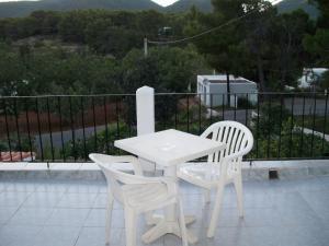 Pensión Las Tres Golondrinas, Vendégházak  Es Figueral Beach - big - 5