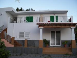 Pensión Las Tres Golondrinas, Vendégházak  Es Figueral Beach - big - 27