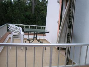 Pensión Las Tres Golondrinas, Vendégházak  Es Figueral Beach - big - 3